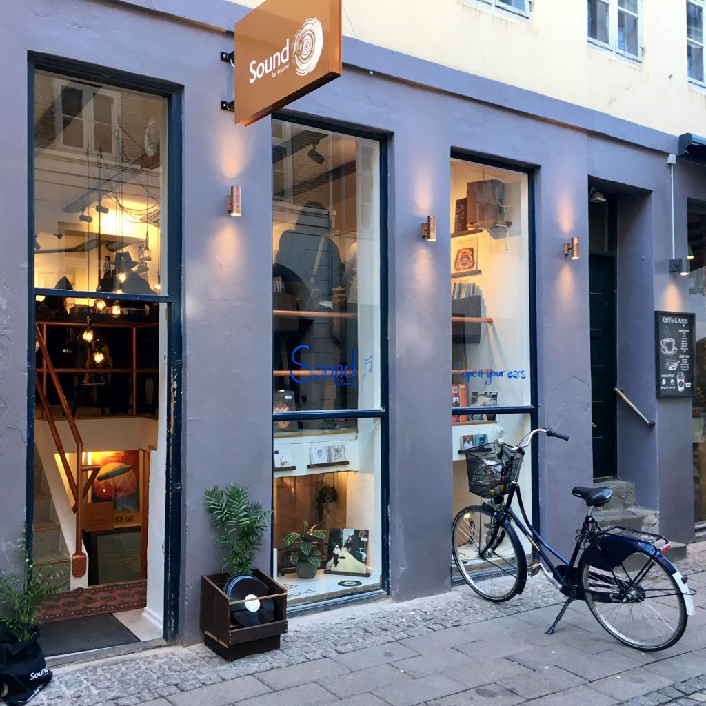 Besøg butikken på Fiolstræde i København